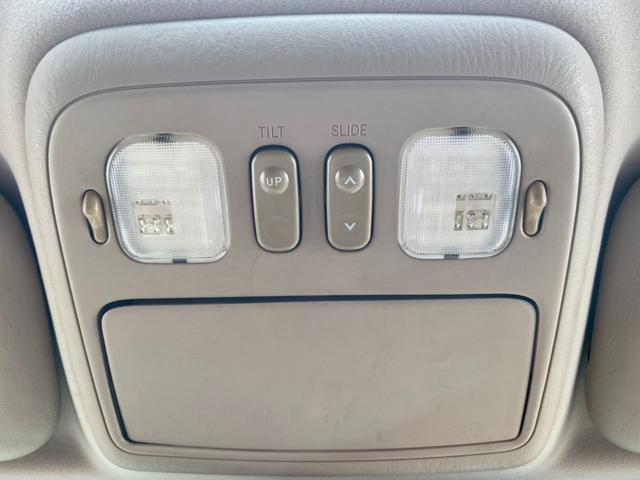 シグナス ロデオドライブ22インチAW・ガナドールマフラー・サンルーフ・HDDナビ・フルセグ・バックカメラ・シートヒーター・HIDライト・ベージュレザーシート・オーバーフェンダー・ルーフレール・ETC(19枚目)