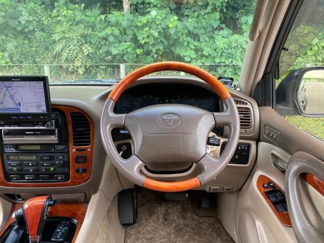 シグナス ロデオドライブ22インチAW・ガナドールマフラー・サンルーフ・HDDナビ・フルセグ・バックカメラ・シートヒーター・HIDライト・ベージュレザーシート・オーバーフェンダー・ルーフレール・ETC(20枚目)