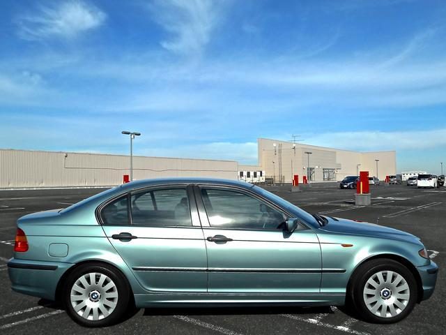BMW BMW 318i後期ナビETC新バッテリー車検2年実施込予算交渉OK