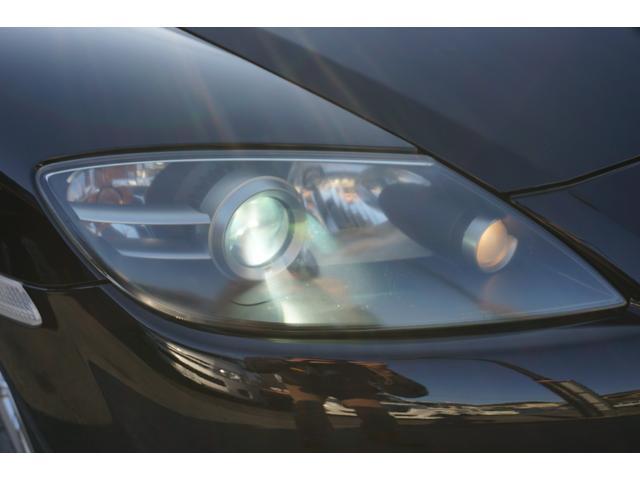 プロジェクター式ディスチャージヘッドランプが標準装備!夜道を明るく照らしてくれます!