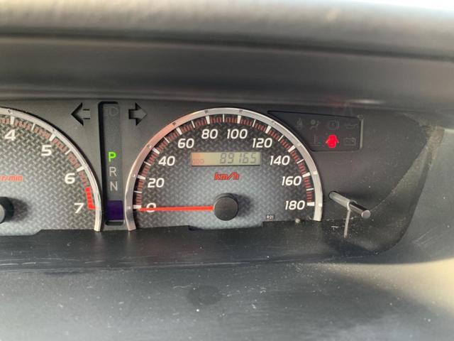 走行距離は8.9万キロ!エンジン・機関の調子もよく当店でしっかりチェックを行っていますので安心してお乗り頂けます!