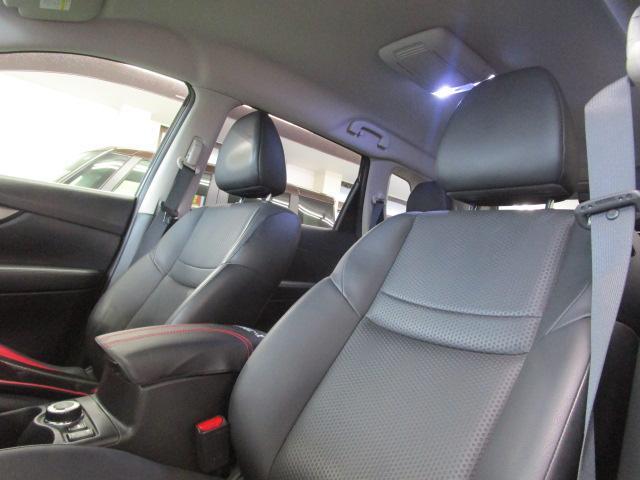 ★合皮調シート生地&前席シートヒーターも装備