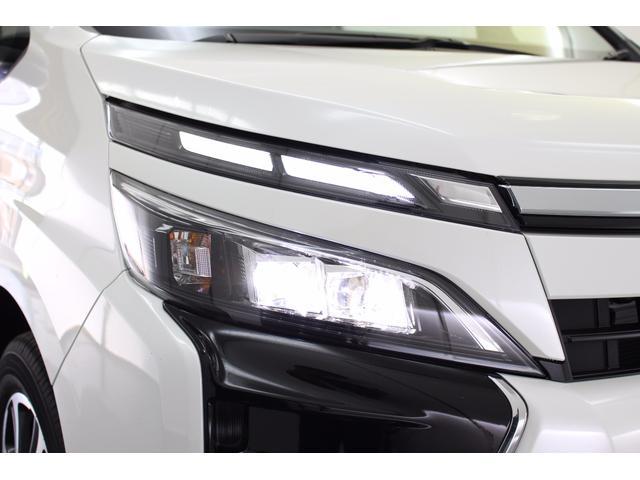 トヨタ ヴォクシー ZS 後期モデル 8人乗り LEDヘッドライト
