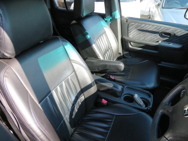 パフォーマiL クラシックスタイル全塗装 黒革調シート 16インチ社外AW マッドタイヤ コラムオートマ HIDライト フォグランプ 革巻きステアリング HDDナビDVD再生CD再生録音フルセグTV  ETC(22枚目)