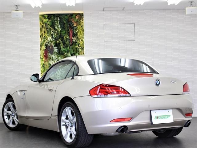 H23年 BMW Z4Sdrive35i 実走行4、5万キロを入庫致しましたのでご紹介させて頂きます。外装の状態はとても綺麗な状態で目立つ傷やヘコミ等もございません。