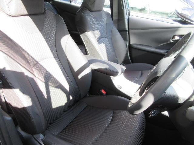トヨタ プリウス A フルセグナビTV バックモニター セーフティセンス装着車