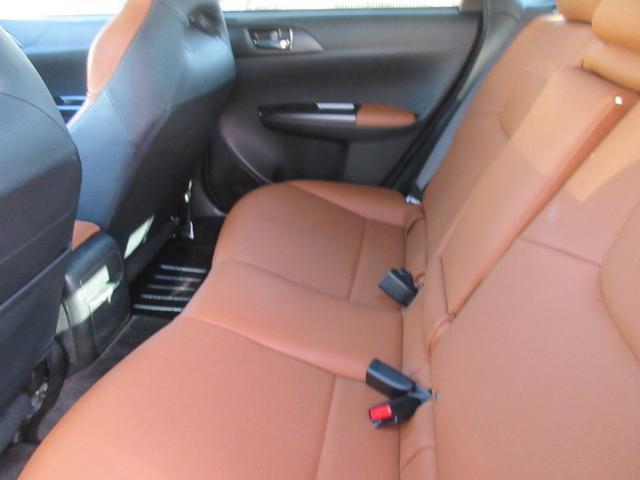 WRX STI Aライン 4WD 本革シート フルセグナビTV ETC ドラレコ スマートキー シートヒーター HIDライト 17インチAW(14枚目)