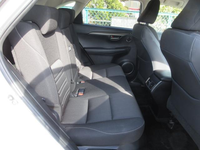 NX200t 純正ナビTV クルーズコントロール 両席パワーシート サイドモニター バックモニター LEDヘッドライト ETC(9枚目)
