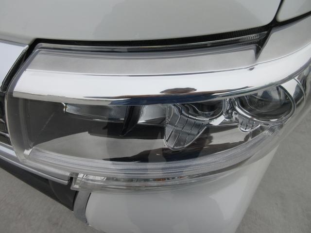 カスタムX トップエディションリミテッドSAIII 禁煙車 ナビ 両側パワースライドドア スマアシ3 シートヒーター LEDヘッドライトシステム サイドバイザー スマートキー プッシュスタート(8枚目)