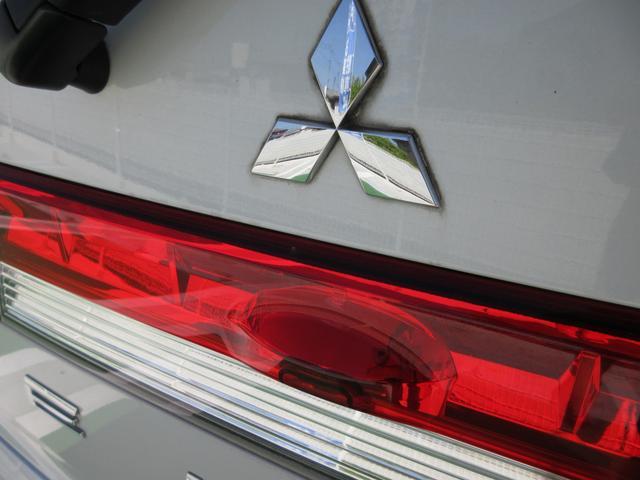 G プレミアム 4WD ドライブレコーダー 純正MMCSナビ フルセグTV 全周囲マルチアラウンドビューモニター ロックフォードプレミアムサウンド 両側パワースライドドア パワーリアゲート ETC パワーシート(7枚目)