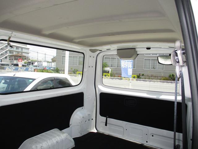 ロングDX 純正ナビゲーション バックモニター Bluetoothオーディオ ETC CD エマージェンシーブレーキ キーレスキー2個 ハロゲンヘッドライトシステム オートエアコン 6人乗り レンタカーアップ車(13枚目)