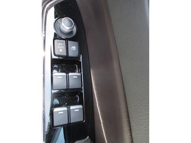 25T Lパッケージ 4WD 禁煙車 ワンオーナー 本革シート BOSEサウンドシステム フルセグ純正ナビTV DVDプレーヤー 360度カメラ ETC パワーリアゲート パワーシート 6人乗り LEDヘッドライトシステム(19枚目)