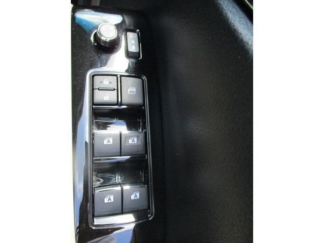2.5X トヨタセーフティセンス 禁煙車 ナビ Bluetoothオーディオ パワースライドドア バックモニター LEDヘッドライトシステム ダブルエアコン フルフラット 8人乗り 3列シート(19枚目)