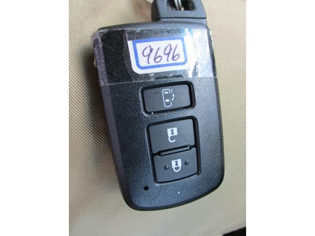2.5X トヨタセーフティセンス 禁煙車 ナビ Bluetoothオーディオ パワースライドドア バックモニター LEDヘッドライトシステム ダブルエアコン フルフラット 8人乗り 3列シート(27枚目)