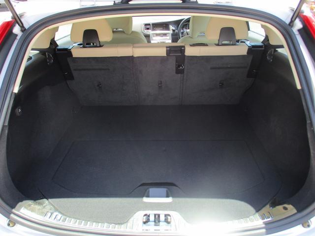 クロスカントリー T5 AWD 禁煙車 純正ナビフルセグTV バックカメラ ブルートゥース 白本革シート ETC パドルシフト HIDヘッドライトシステム ソナーセンサー(7枚目)