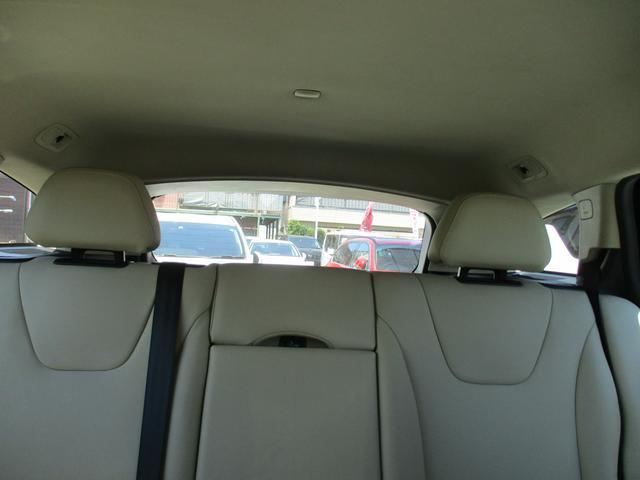 クロスカントリー T5 AWD 禁煙車 純正ナビフルセグTV バックカメラ ブルートゥース 白本革シート ETC パドルシフト HIDヘッドライトシステム ソナーセンサー(28枚目)