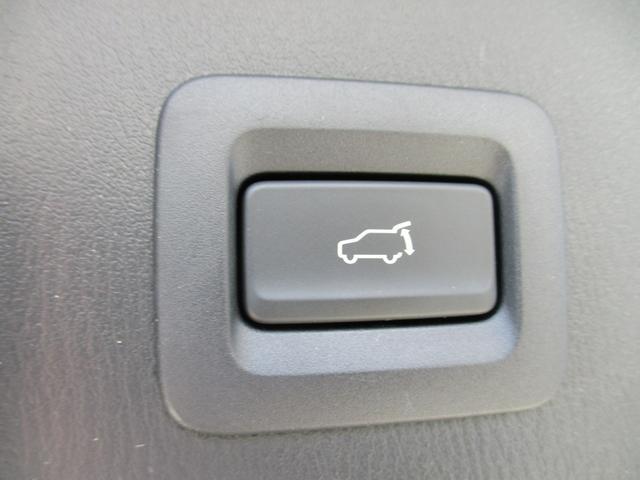 25S Lパッケージ 6人乗り 禁煙車 本革シート フルセグ純正ナビTV 360度カメラ ETC Bluetoothオーディオ CD DVDプレーヤー パワーバックドア ドライブレコーダー LEDヘッドライトシステム(17枚目)