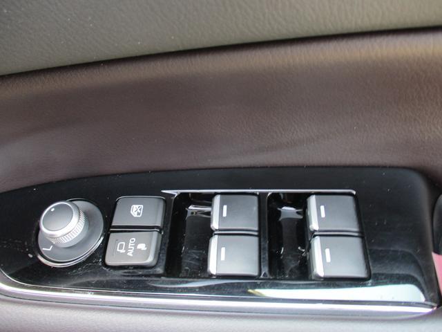 25S Lパッケージ 6人乗り 禁煙車 本革シート フルセグ純正ナビTV 360度カメラ ETC Bluetoothオーディオ CD DVDプレーヤー パワーバックドア ドライブレコーダー LEDヘッドライトシステム(23枚目)