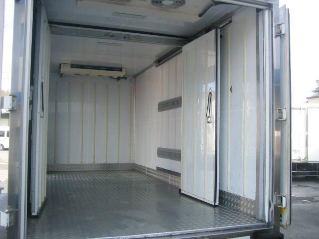 冷蔵冷凍車 低温冷凍車 2室仕様冷凍車(7枚目)