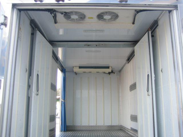 冷蔵冷凍車 低温冷凍車 2室仕様冷凍車(8枚目)