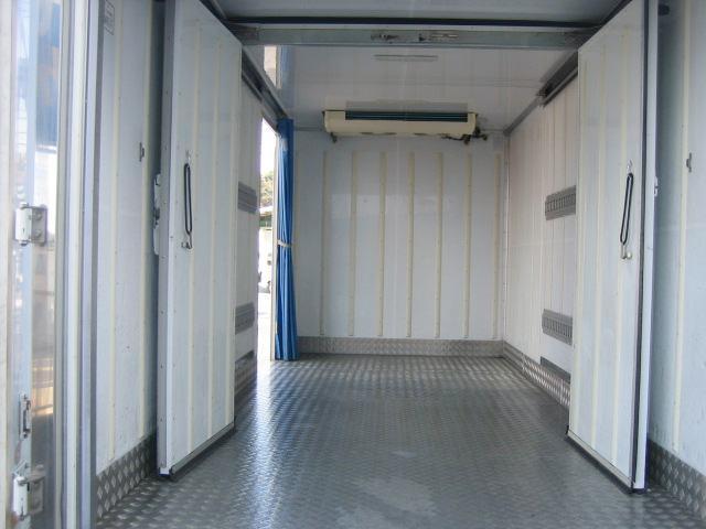冷蔵冷凍車 低温冷凍車 2室仕様冷凍車(9枚目)