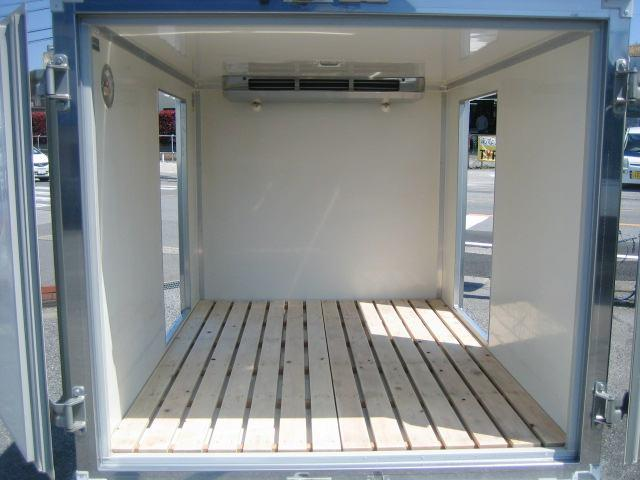 冷蔵冷凍車 中温冷凍車 -5度設定冷凍車(6枚目)