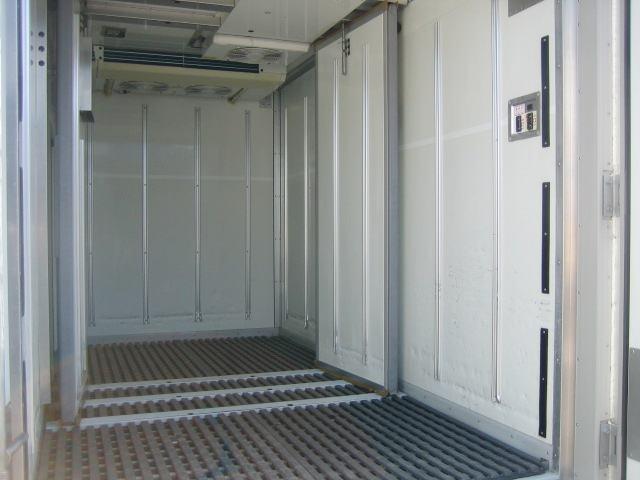 冷蔵冷凍車 低温冷凍車 オートマ限定対応冷凍車(7枚目)