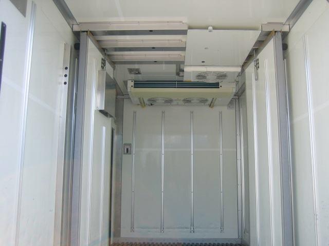 冷蔵冷凍車 低温冷凍車 オートマ限定対応冷凍車(8枚目)
