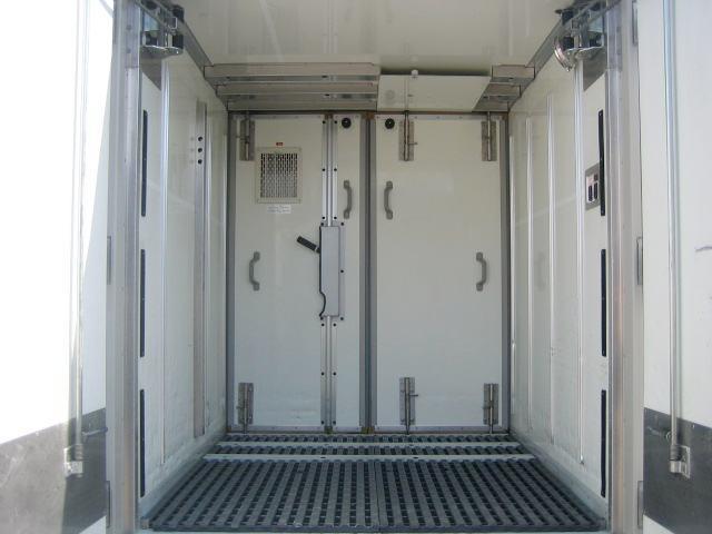 冷蔵冷凍車 低温冷凍車 オートマ限定対応冷凍車(9枚目)