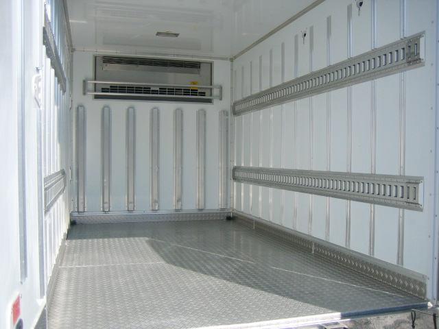 冷蔵冷凍車 低温冷凍車 スタンバイ付冷凍車 オートマ限定対応(7枚目)