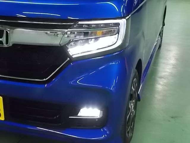 LEDライトは夜道を明るく照らし夜間走行の精神的負担を和らげてくれます。これで夜道も安心して運転できますね!