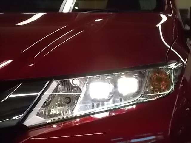 【LEDヘッドライト】LEDヘッドライトは消費電力が少ないので寿命が長いですよ!明るさも十分で、夜間走行の負担を和らげてくれます!