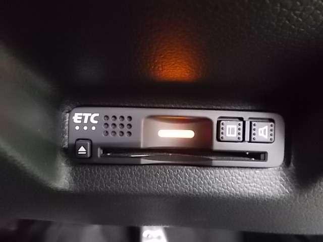 ハイブリッドX ホンダセンシング 純正メモリーナビ フルセグ Bluetooth USB リアカメラ LEDヘッドライト ETC ホンダセンシング パドルシフト クルーズコントロール オートライト(17枚目)