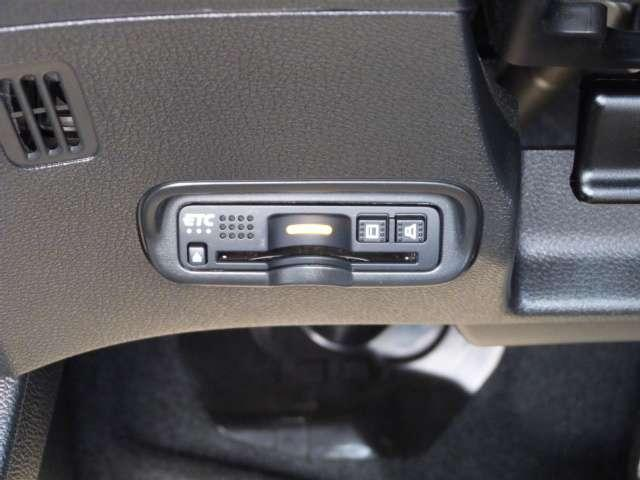 X・ホンダセンシング ギャザズメモリーナビ LEDヘッドライト Bカメ ナビTV 地デジ LEDヘッド ワンオーナー車 禁煙 クルコン アルミホイール メモリーナビ スマートキー アイドリングストップ 盗難防止装置 DVD(11枚目)