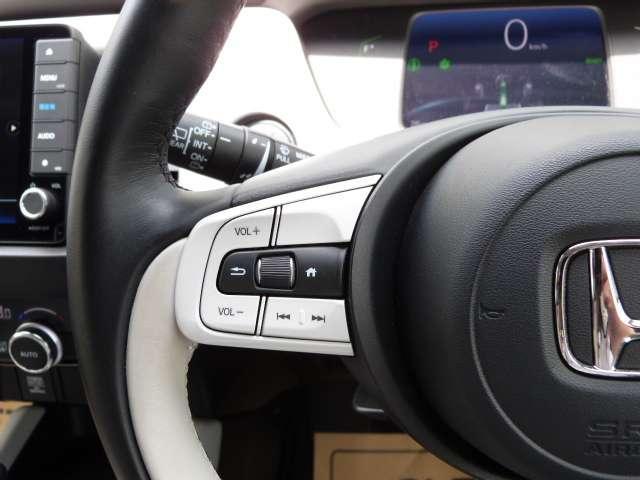 e:HEVホーム 当社元試乗車 Hセンシング  前後ドラレコ 純正ナビ クルコン 禁煙車 スマートキー アイドリングストップ 衝突被害軽減ブレーキ LEDヘッドライト Rカメラ オートエアコン キーレス 地デジ CD(14枚目)
