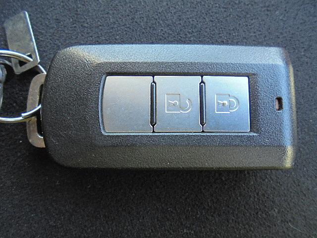 三菱 アウトランダー ローデスト24G 4WD 社外メモリナビ 後カメラ