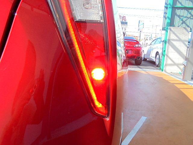 リアフォグランプ装備車です!夜間のゲリラ豪雨などで突然の視界不良時でも自車の存在を示す事で後続車へ注意を促せます!