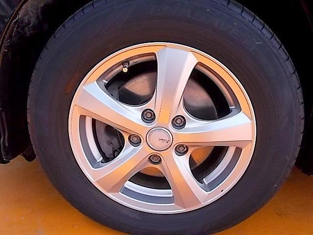 社外アルミ付きです!新品タイヤをご希望の方は遠慮なく申し付けて下さい!!