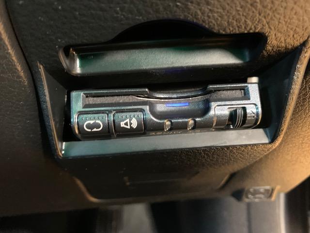 1.5i コンフォートセレクションII 修復歴なし 純正HDDナビ Bluetooth フルセグTV アクセスキー プッシュスタート CD DVD再生 Mサーバー ビルトインETC 革巻きハンドル MTモード付 HID フォグ 純正15AW(20枚目)