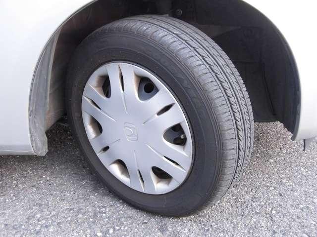 タイヤサイズは14インチです!残りのミゾもバッチリ残っております!