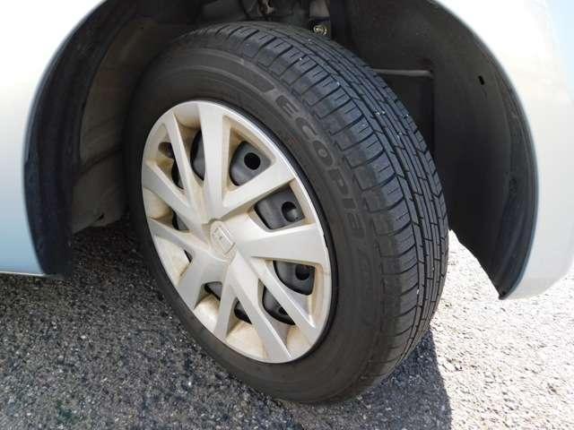 しっかりと溝のあるタイヤにてお渡しいたします!