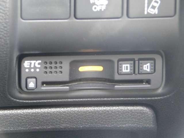 ハイブリッドLX・ホンダセンシング ホンダ認定中古車 2年保証 後期型 トランクスポイラー 純正15インチアルミホイール 純正メモリナビ バックカメラ 純正ドライブレコーダー Bluetooth 禁煙 ワンオーナー(11枚目)