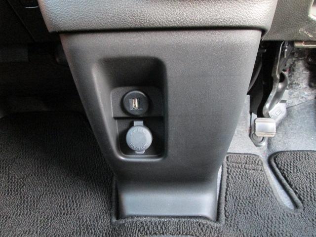 運転席シートヒーター USBソケット