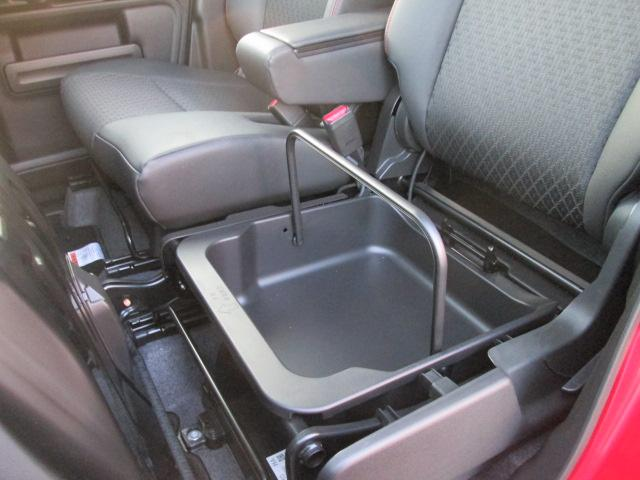 助手席シートアンダーボックス 持ち運びも可能です。