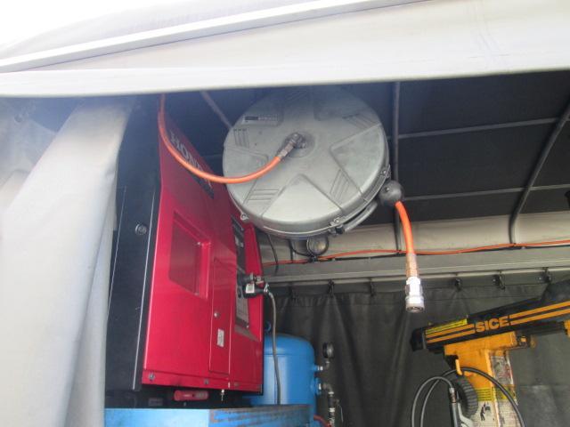 いすゞ エルフトラック フラットロー オートマチック 移動タイヤ交換車
