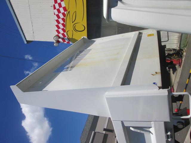 強化フルフラットローダンプ 2T積 車両総重量5T未満5MT(8枚目)