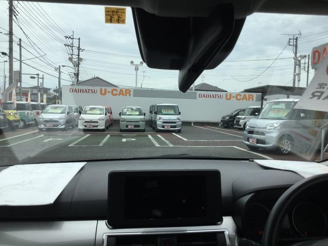 運転席からの視界は広いでfす。