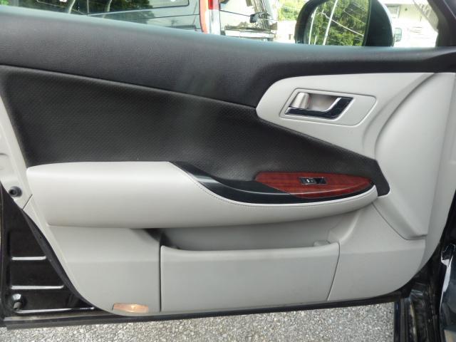 助手席ドア 使用頻度の高いドアパネルですが、ご覧通りきれいな状態を維持しております。