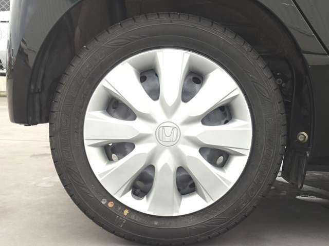 タイヤサイズは 155 65R14 です