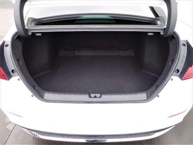 LX 認定中古車 ワンオーナーHonda SENSING Hondaインターナビ+リンクアップフリー+ETC2.0車載器 電子制御パーキングブレーキ シートヒーター(17枚目)